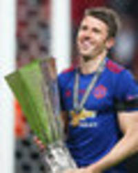 gary neville hails manchester united star: he's a brilliant player and person