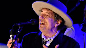 bob dylan finally delivers his nobel lecture