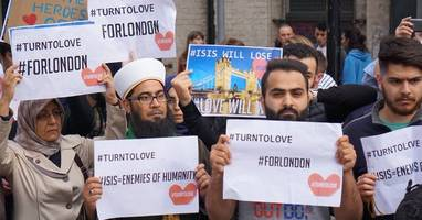 was cnn caught staging fake news? network trots out anti-isis muslims in scripted outrage after london attacks