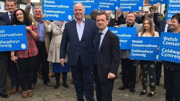 tory andrew rt davies denies spat with alun cairns