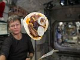 crumb-free bread for iss astronauts to bake in space