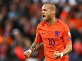 holland 5-0 luxembourg: wesley sneijder scores in rout