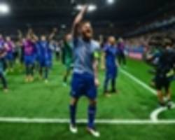 'they believe we can beat anyone' - sigurdsson hails iceland fans