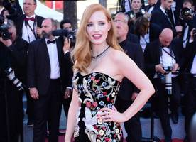 jessica chastain marries her aristocratic beau gian luca passi de preposulo in italy