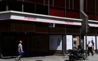 investors wary of spanish banks following banco popular flop