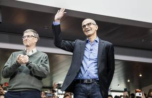 microsoft's top execs use this app almost as much as they use e-mail (msft, data, crm, orcl, ibm)