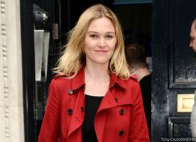 Julia Stiles Is Pregnant With First Child - See Her Baby Bump