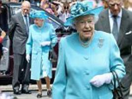 the queen pays tribute to children killed in wwi bombing