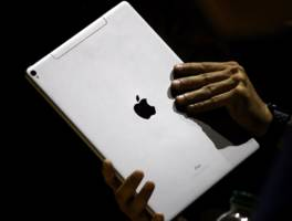 Apple's new $900 iPad Pro is almost as powerful as the new $1,800 MacBook Pro (AAPL)