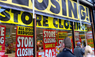 2017 will be the worst retail apocalypse in us history; over 300 retailers have already filed bankruptcy