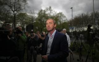 who are the runners and riders for lib dem leadership now farron's gone?