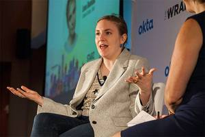 lena dunham fights body-shamers with nearly nude instagram pic (photo)
