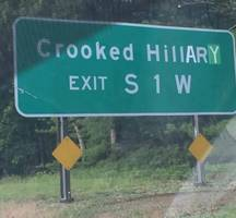 New York Road Sign Defaced From 'Crooked Hill Rd' to 'Crooked Hillary'