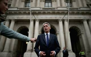 philip hammond joins businesses in calling for a brexit transition period