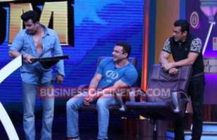 Super Night With Tubelight: Sunil Grover Was Highly Disappointing On Salman Khan's Show, Dr Sanket Bhosle Was The Saviour!