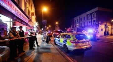 Finsbury Park Mosque: Man dies after van hits pedestrians in London