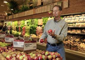 'It's gonna change our culture': Whole Foods CEO preps his staff for life under Amazon (AMZN, WFM)