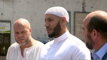 Finsbury Park Imam 'stopped crowd hitting suspect attacker'