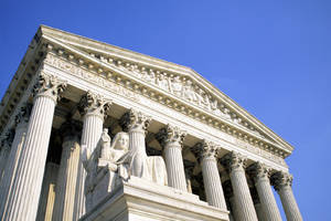 Supreme Court rules sex offenders can use social networks