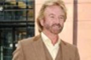 devon ambulance saved noel edmonds' life after 'emotional...
