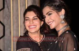 spotted: bffs sonam kapoor and jacqueline fernandez' these photos are leaving us curious!