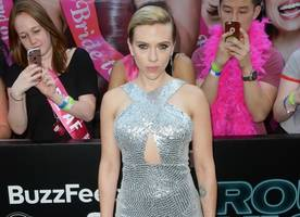 New Boyfriend? Scarlett Johansson Holding Hands With a Lawyer