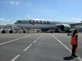 qatar scoops airline of the year at the oscars of aviation