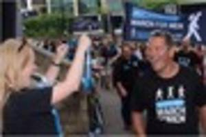 sky sports presenter jeff stelling completes charity walk from...