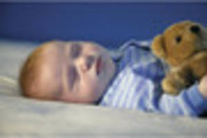 14 tips on how to get your baby to sleep on hot summer nights