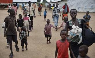 donors failing almost a million south sudanese refugees in uganda