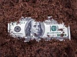 From drugs to feces, experts reveal what's on money
