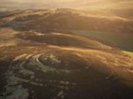 interactive graphic lets you explore 4,000 uk hill forts