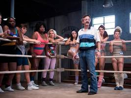 the hilarious and empowering 'glow' is one of netflix's best original shows