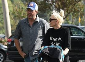 gwen stefani is 'in control' of her relationship with blake shelton
