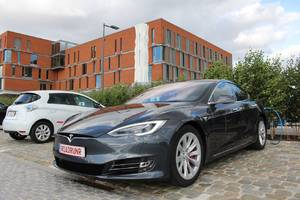 Tesla enthusiasts set hypermiling record after driving Model S 560 miles on a single charge
