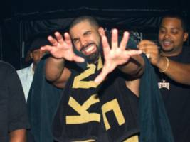 """Drake's Sitting On Luxury Music Inspired By Everybody's Fave Pricey AF Brand: """"New Song"""""""