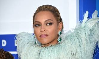Beyonce Knowles' twins being treated for jaundice