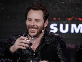 sean parker has stepped down from spotify's board as the company prepares to ipo