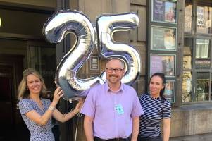 Guide marks 25 years of showing people Cambridge's sights