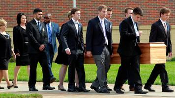 Otto Warmbier: Mass funeral for student jailed in N Korea