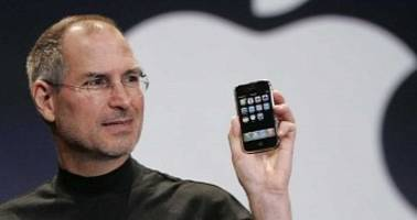 apple ended up creating the iphone because steve jobs hated someone at microsoft