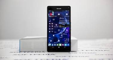 Microsoft Releases a Windows 10 Mobile Build That Nobody Cares About