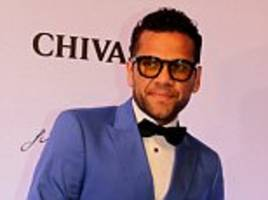dani alves: 'everyone knows my admiration' for guardiola