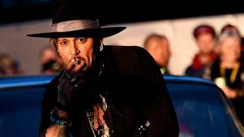 Glastonbury 2017: Johnny Depp apologises for Trump comment