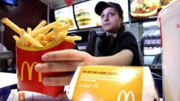 mcdonalds is replacing 2,500 human cashiers with digital kiosks: here is its math