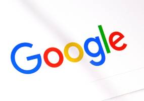 google begins removing personal medical records from search results
