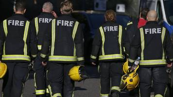 London Fire Brigade reissues 'stay put' advice after Grenfell Tower blaze