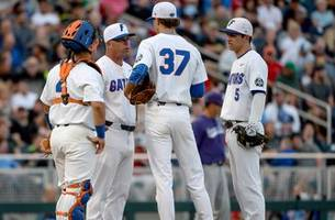 Florida loses first game in College World Series to TCU