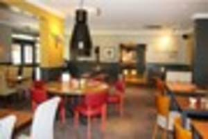 a new beefeater restaurant has opened its doors in cornwall