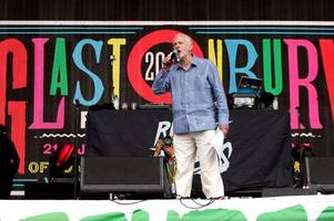 jeremy corbyn was just treated like a massive rock star at glastonbury